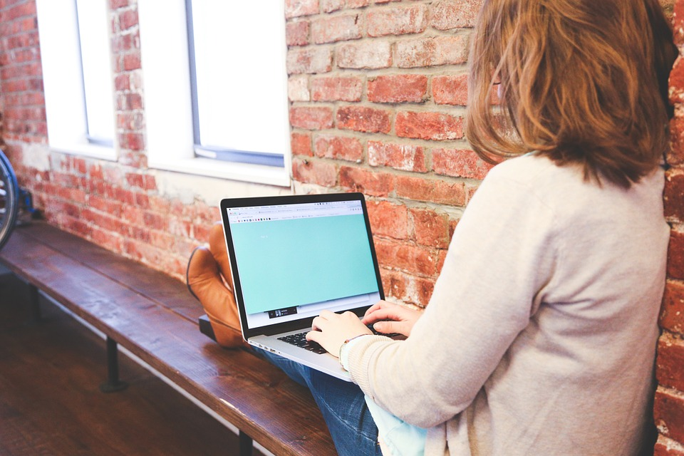 STĀSTS – kā uzsākt savu interneta biznesu